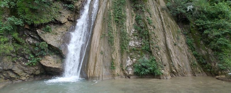Neer Gaddu Waterfall - Rishikesh Travel Agent