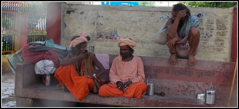 sadhus at rishikesh